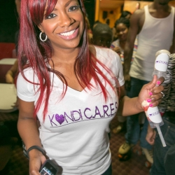 kandi-cares-skate-party-cascasde-cme-3000-3008